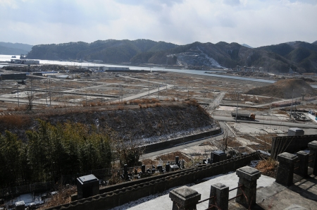 Near the Temple at Otsuchi (February 2013) Photo and permission Su Grierson